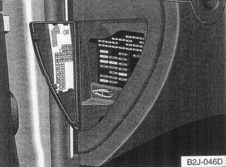 2000 vw beetle fuse box under hood i would like the diagram and descriptions of the fuse box ...
