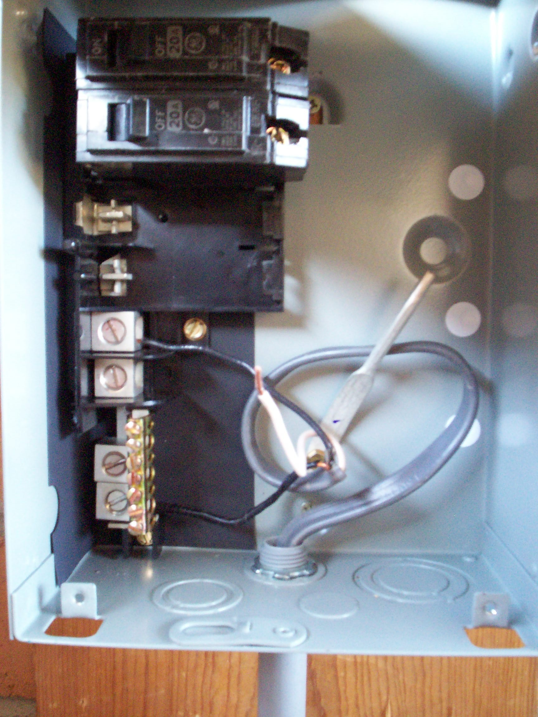 I Am Hooking Up A Ge Class Ctl Panelboard Load Center  Type 3r Outdoor Enclosure  To Run
